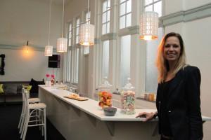 Janneke Brakels in een van nieuwe ruimtes